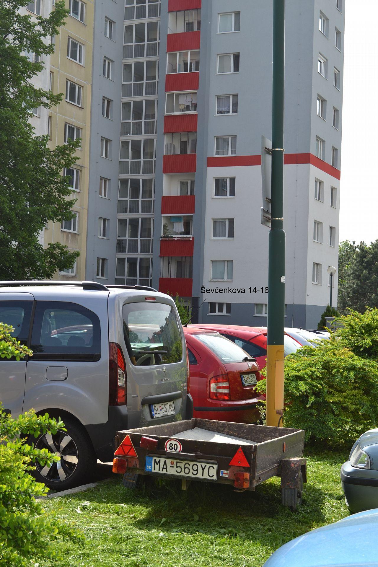 c8ff1366a Parkovanie vozíka na Ševčenkovej 14